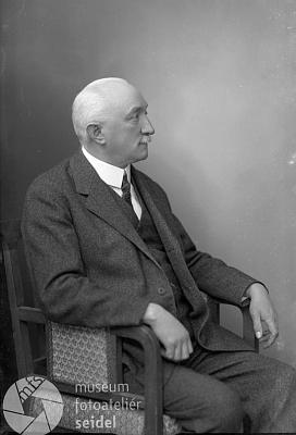 Na snímku z března 1932 z českokrumlovského fotoateliéru Seidel
