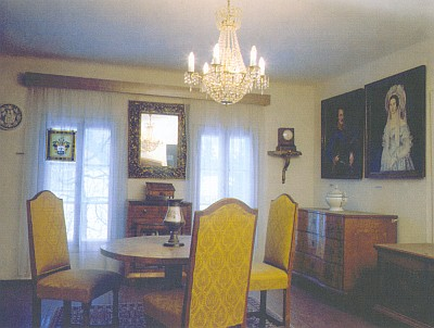 Dobový interiér s památkami sklářského rodu Abele v Muzeu Šumavy v Železné Rudě