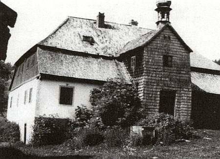Pateříková Huť u statku Starý Brunst před stržením v roce 1950