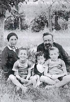 Se manželkou a třemi syny