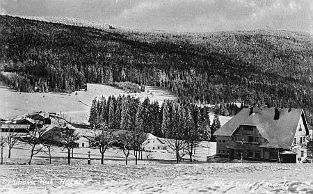 Kubova Huť v zimě na pohlednici Josefa Seidela...