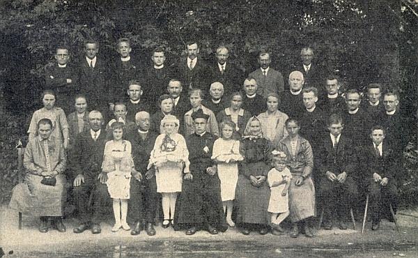 Jeho primice v rodné obci roku 1927