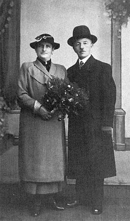 Její manžel Josef Altmann a snímek z jejich svatby