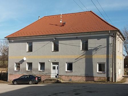 Rodný dům čp. 8 ve Strýčicích - někdejší německá škola