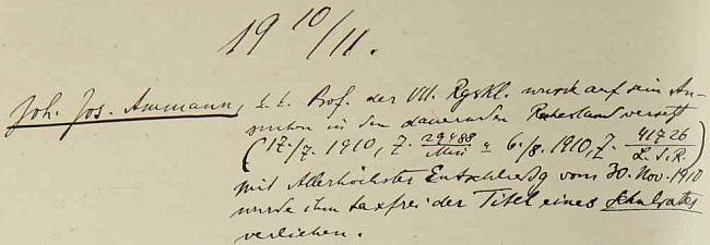 Záznam školní kroniky českokrumlovského německého gymnázia o jeho odchodu na penzi a jmenování školním radou uvádí na prvním místě jméno Johann