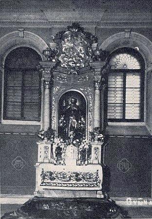 Kaple německého gymnázia v Českém Krumlově, naněmž kdysi učil, zbořená v roce 1973