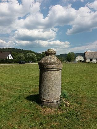 Historický vodovodní rozvaděč v Pěkné