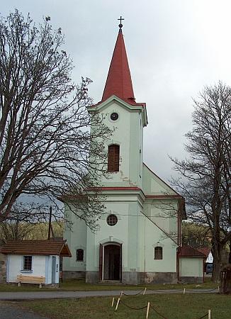 Renovovaný kostel sv. Anny v rodné Šenavě (dnes Pěkná)