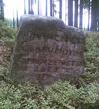 Hraniční kameny na Trojmezí u Slavonic