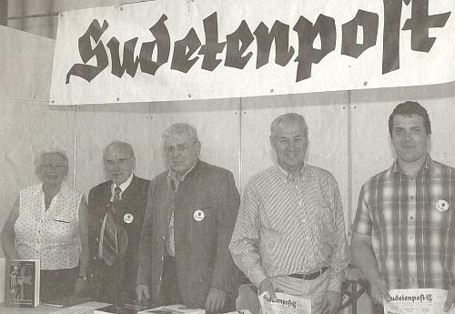 Při stánku rakouského krajanského,listu na Sudetoněmeckém sněmu roku 2009 v Augsburgu