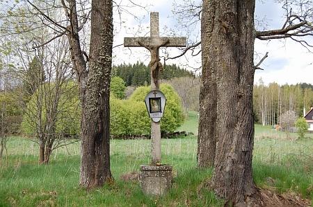Kříž na rozcestí ke staré myslivně