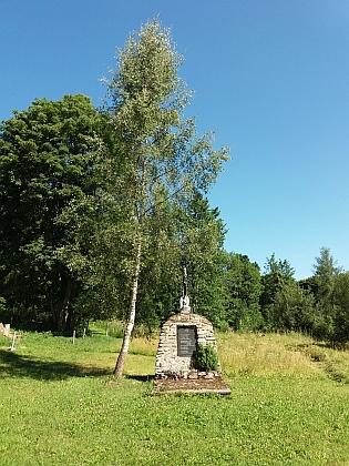 Takto dnes vypadá místo, kde stával vČeských Žlebech kostel sv. Anny  (viz i Otto Wiener)