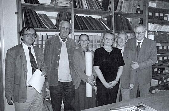 Na snímku z června roku 2001 stojí prvý zprava vedle Jiřího Zálohy a Anny Kubíkové v prostorách českokrumlovského archivu s autory knihy o schwarzenberském plavebním kanále Fritzem a Anne-Marii Langeovými a Hynkem Hladíkem zcela vlevo