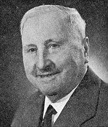 """Otec Franz Barth, narozený 1887 v dnes zaniklém Valkounově, zemřel 1971, dva z jeho čtyř synů, vyšebrodský klerik Franz Emmerich a čerstvý maturant Bernhard, se z """"Hitlerovy"""" války nevrátili"""
