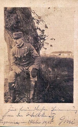Hejtman Baudisch na východní frontě v říjnu 1915 u Targovice na fotografii, věnované polnímu kurátu Eyblovi