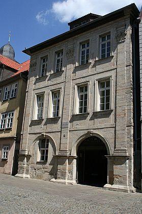 """Jean Paul Haus"" v Coburgu (Gymnasiumsgasse 5), kde s manželem bydlila"
