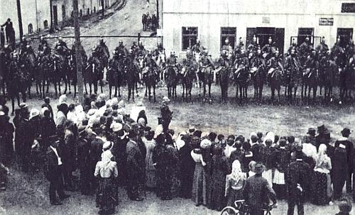 Loučení dragounů s Horšovským Týnem a památník padlým na náměstí
