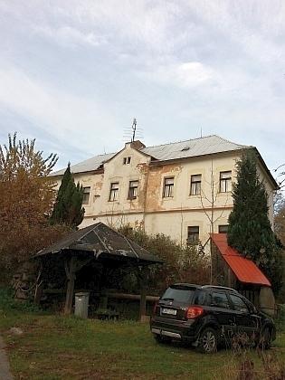 Bývalá škola v Českých Žlebech