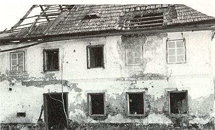 Takto vyhlížel jeden selský dům (Kulmann) v Chlumanech ještě roku 1965