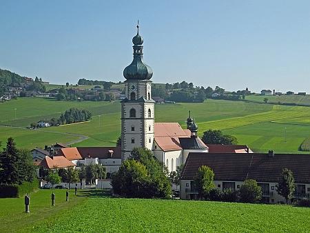 Poutní kostel v Neukirchen beim Heiligen Blut