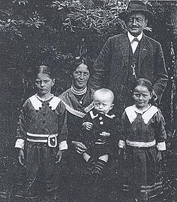 Se svou druhou ženou Paulou a dětmi