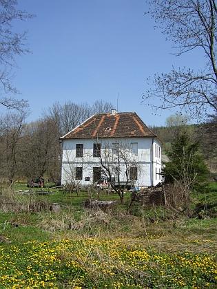 Někdejší škola v Šejbech