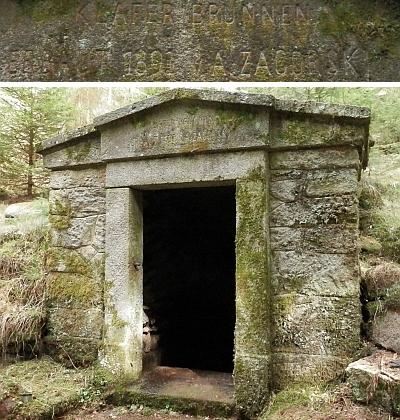 """Dobře čitelné příjmení Zagorski na portálu jedlického pramene zvaného """"Klafferbrunn"""" (kameník ovšem vytesal """"Klafer Brunnen""""), dnes označovaného jako """"Zámecký pramen"""""""