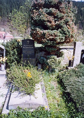 Hrob v Rožmberku nad Vltavou