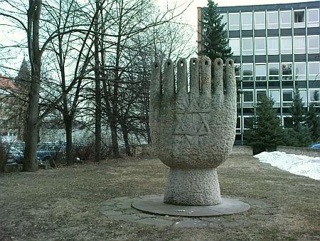 Stav místa, kde synagoga stávala, v roce 2010