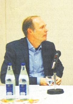 """Na pódiu zasedání k 10. výročí """"Akademie Střední Evropa"""" roku 2013 v Bad Kissingen"""