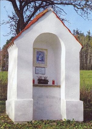 """... na začátku 21. století byla kaple vněkdejším Cipíně obnovena - podle článku Pavla Mörtla v časopise Turista s připojenou mapkou ji zdobí kopie mariánského obrazu """"ze soukromé sbírky Adolfa Berause, který žije v bavorském Landshutu"""""""
