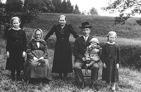 Rodina mlynáře Franze Neubauera v roce 1939