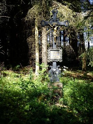 Kříž, který připomíná poutní místo