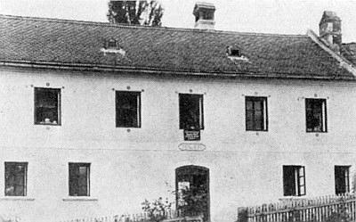 Dům čp. 6 v zaniklém Cipíně, kde starostoval...