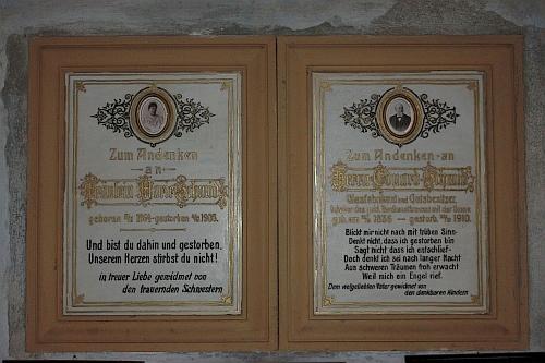 Hrobka sklářské rodiny Schmidových v šumavském Anníně