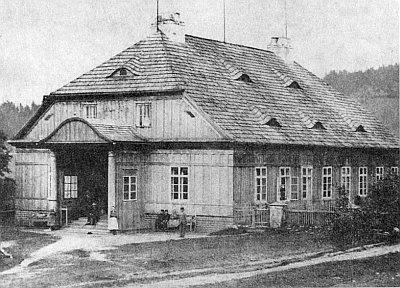 Sklářský dům v Podlesí (Vogelsang) na snímku z osmdesátých let 19. století...