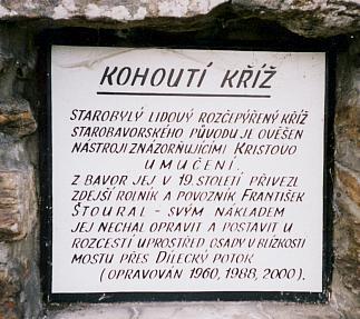 Kohoutí kříž v Úbislavi, zvané v románě Dubislav
