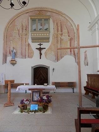 Obnovené oratorium ve zbylé části kostela