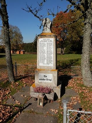 Obnovený památník na snímku z roku 2018