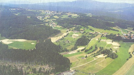 Krajina u Sankt Oswaldu a Haslachu na jeho fotografii
