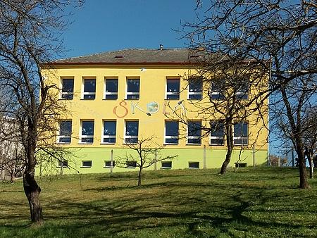 Přestavěná škola v Boršově nad Vltavou - Poříčí