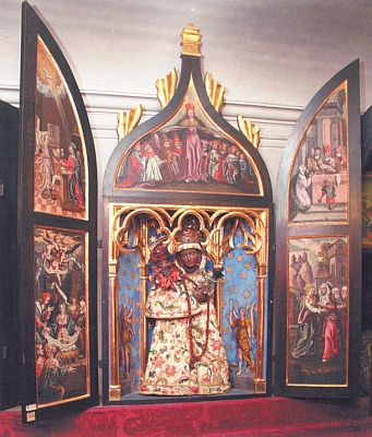 Oltářík Panny Marie z Altöttingu (česky se tomu bavorskému poutnímu místu říkalo Starý Etynk), kde Blaha zemřel a je pochován, v soukromé kapli kněžny Marie Ernestiny zEggenbergu, rozené ze Schwarzenbergu, při českokrumlovské zámecké ložnici