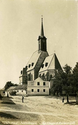 Kostely v Dolním Dvořišti (foto Josef Seidel) a Hořicích na Šumavě - dvě jeho šumavská působiště
