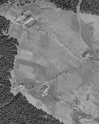 Zlatá Studna na leteckých snímcích z let 1949 a 2008