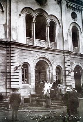 """... byla 10. listopadu 1938 za tzv. """"říšské křišťálové noci"""" vypálena"""