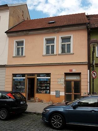 Dům v dnešní České ulici (kdysi Böhmgasse čp. 92), ve kterém žila rodina Blochova v Českých Budějovicích