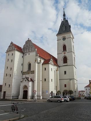 Kostel Narození Panny Marie v rodných Vodňanech