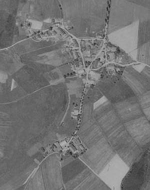 Jeho rodný Mysliv u Všerub na leteckých snímcích z let 1950 a 2008