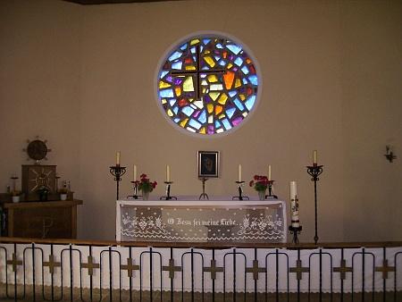 Z interiéru kaple