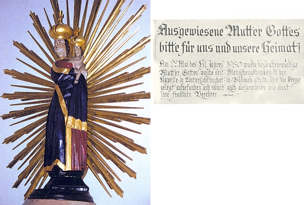 """Tzv. """"Vypovězená matka Boží ze Světlých Hor"""" v kostele bavorské obce Mitterfirmiansreuth i s nápisem zpravujícím o jejím nálezu na české hranici v květnu 1950"""